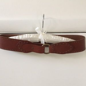 Accessories - Brown leather belt.